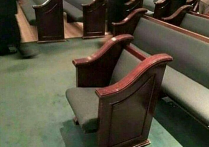 Adventist churches install isolation pews for chattiest members